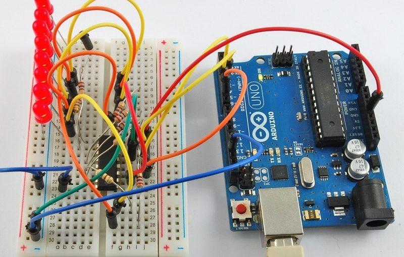 اردوينو – الدرس الخامس – إضاءة  8LEDs بإستخدام رقاقة Shift Register