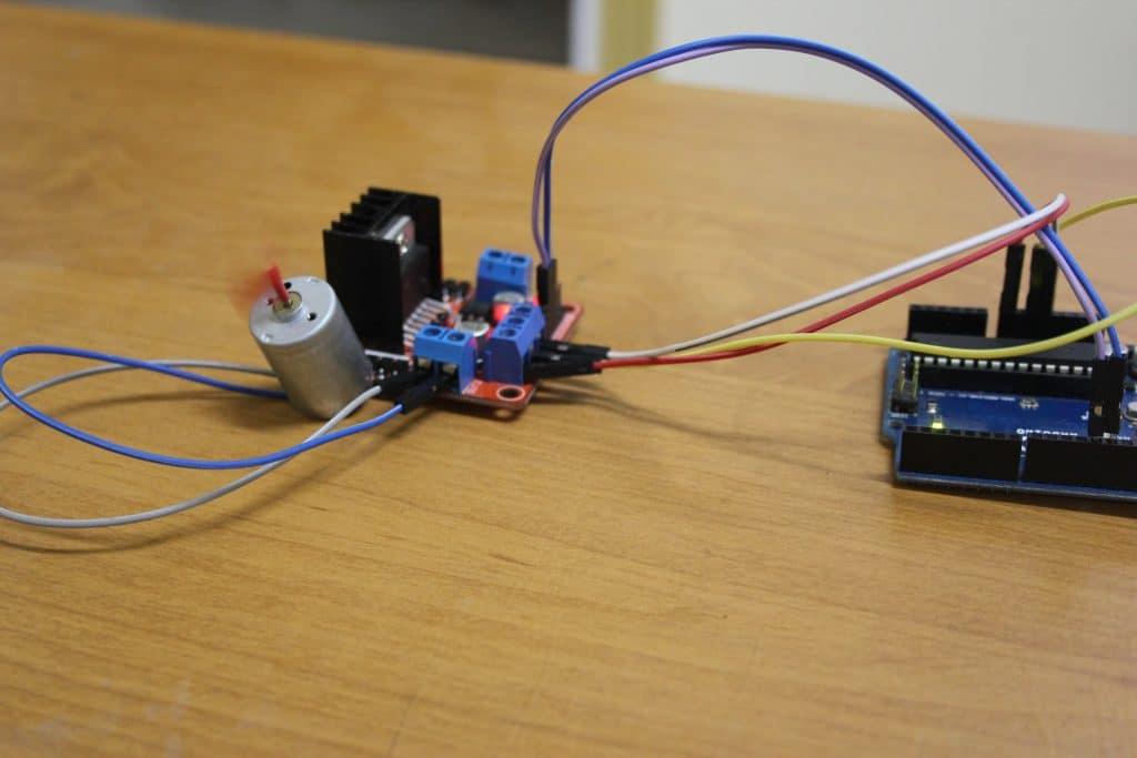 التحكم-فى-محرك-تيار-مستمر-باستخدام-l298